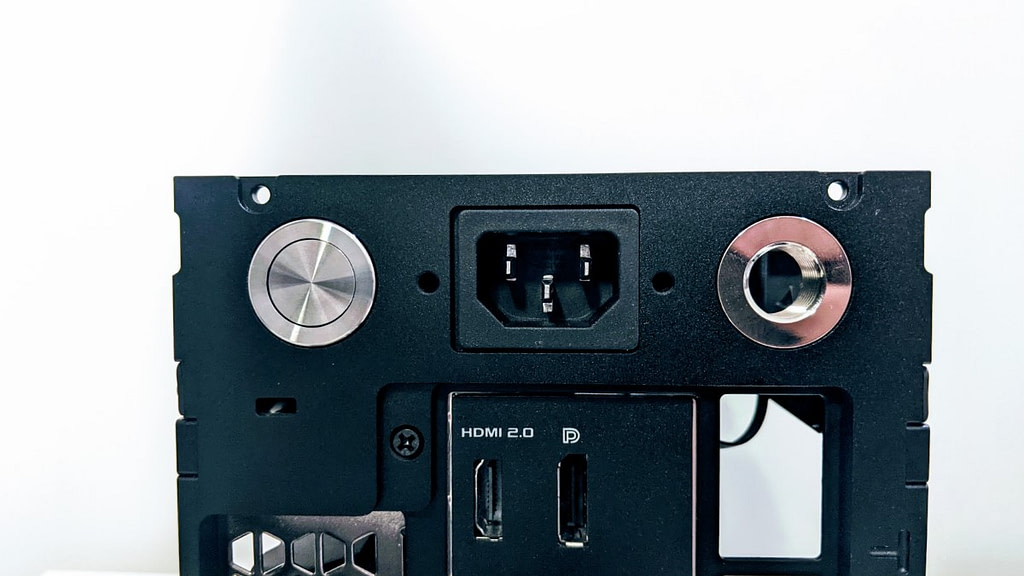 Rear view of black FormD T1 Review unit with power socket next to power switch in 2slot mode